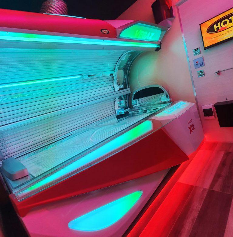 04 HOT! Tanning Salon Cardonald Glasgow.jpg